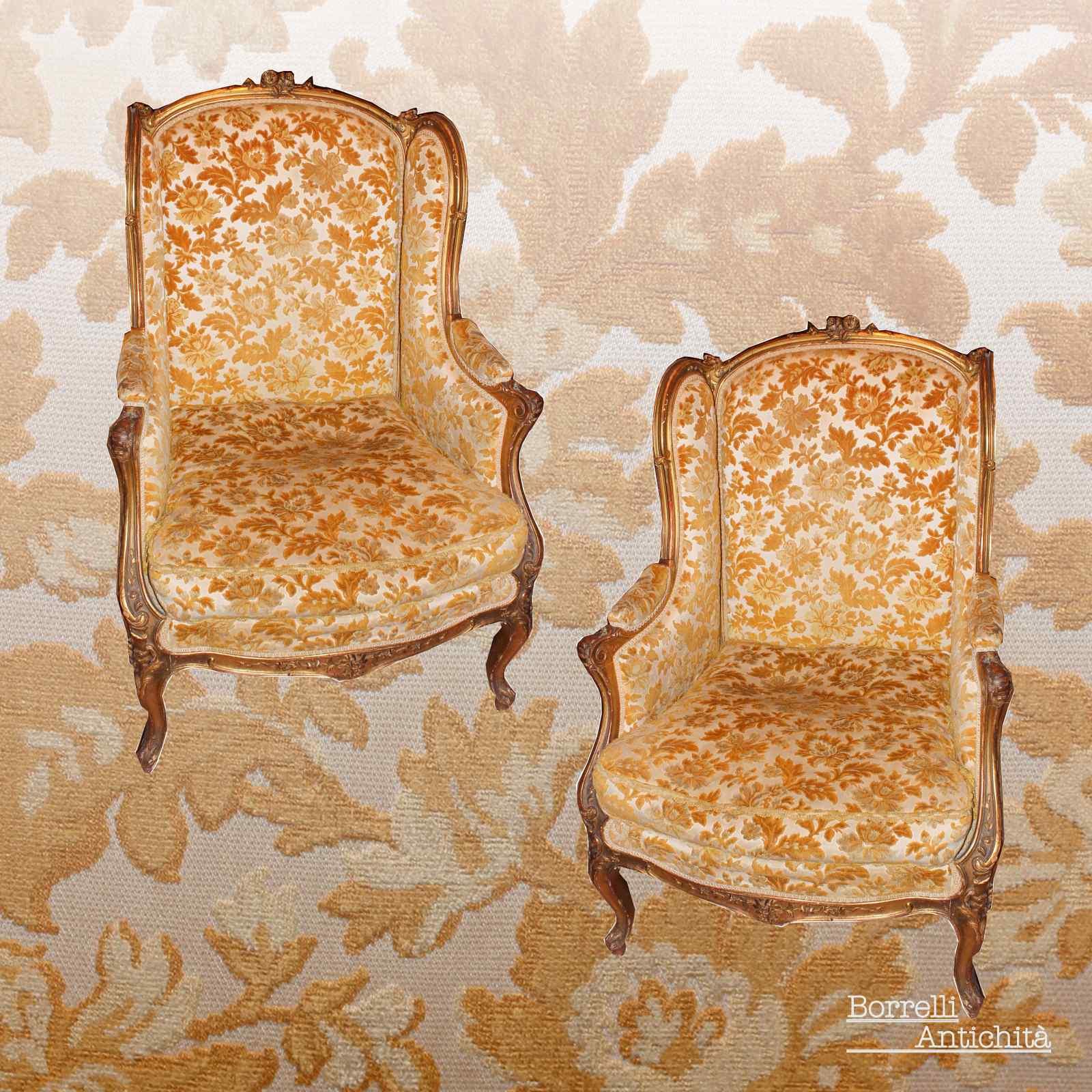 paire de fauteuils antiques dorés du 19ème siècle