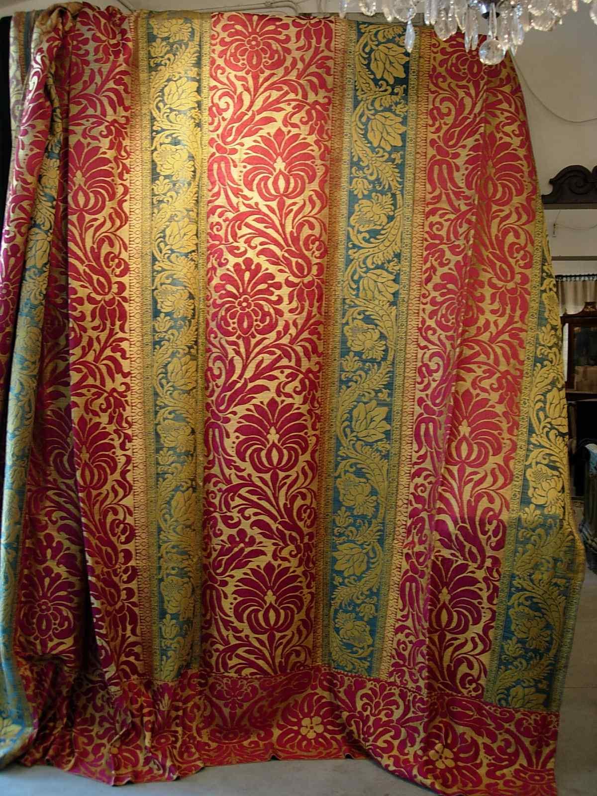 Parade fabrics, Lucca, Sec. XVII