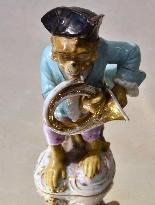 Porcelain monkey orchestra - Germany, end of '800-4