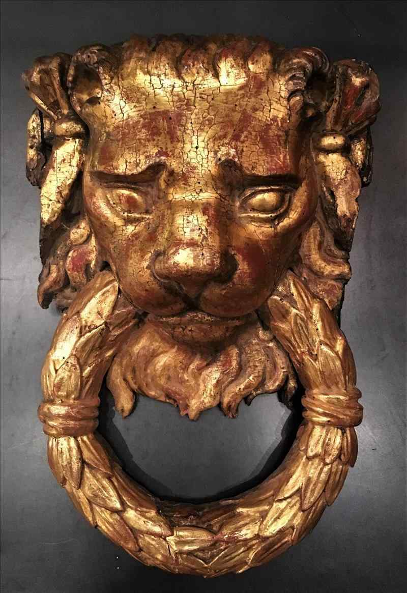 WOODEN LION HEAD