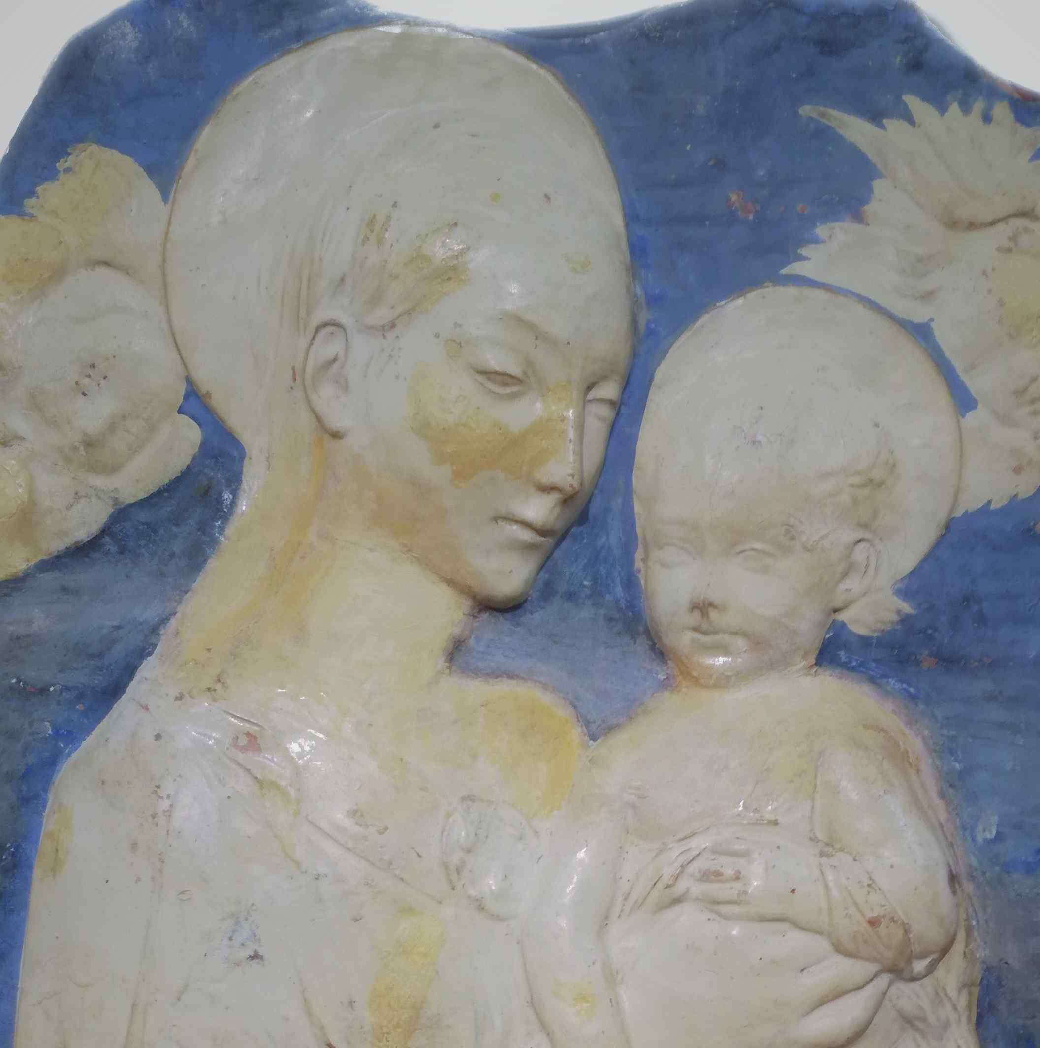 Bas-relief in refined terracotta