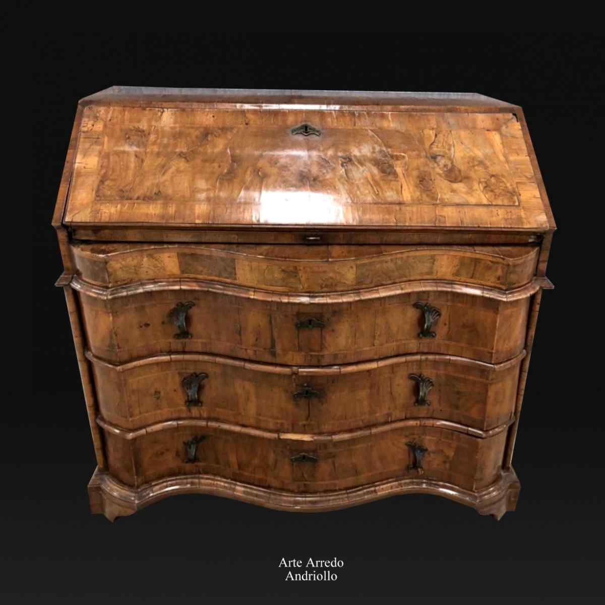 A Large And Very Fine Quality 18th Century Bureau, Venice